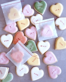 Love these cookie hearts from Martha Stewart